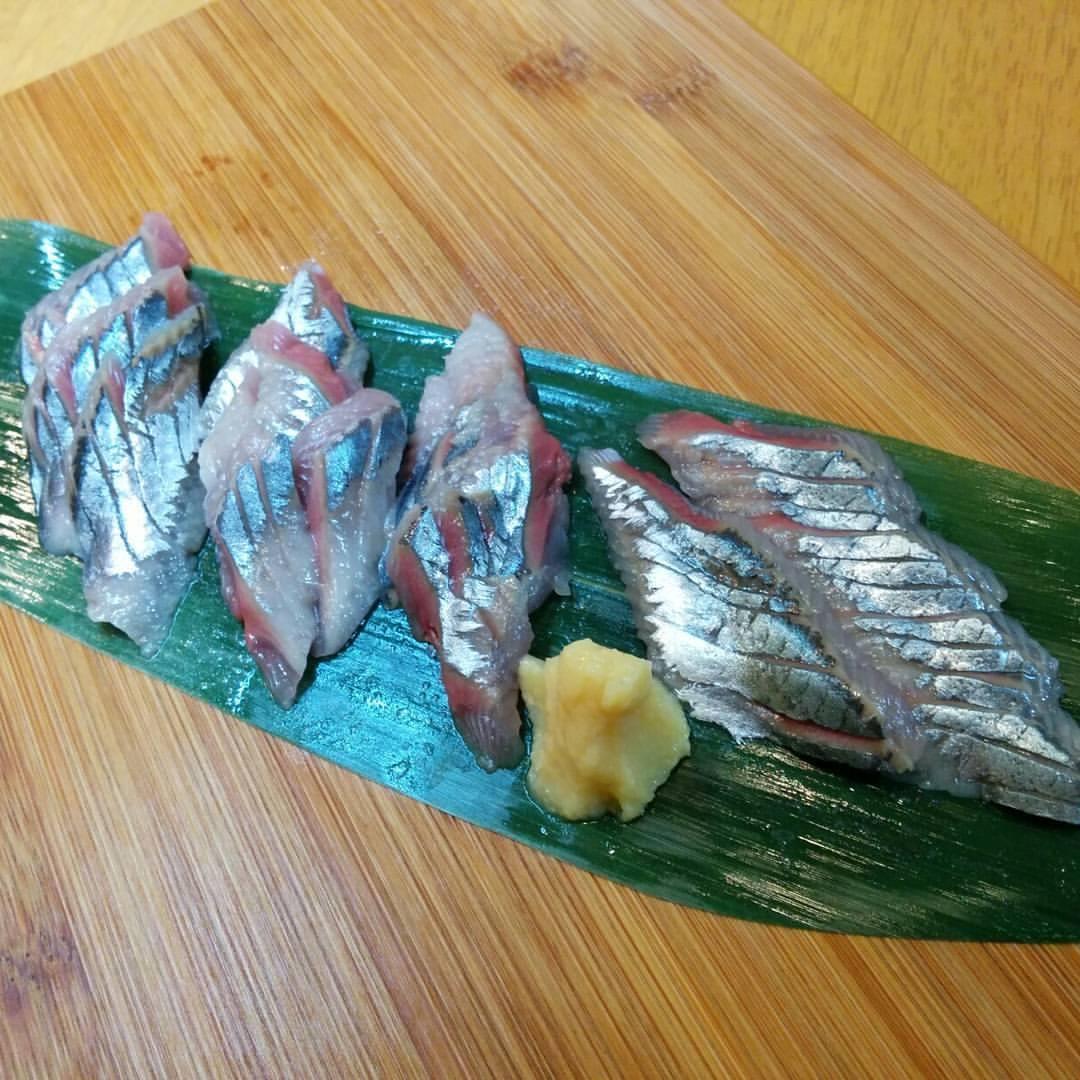 秋刀魚刺身.jpg